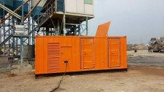 衡水发电机出租1MW移动发电车静音发电机